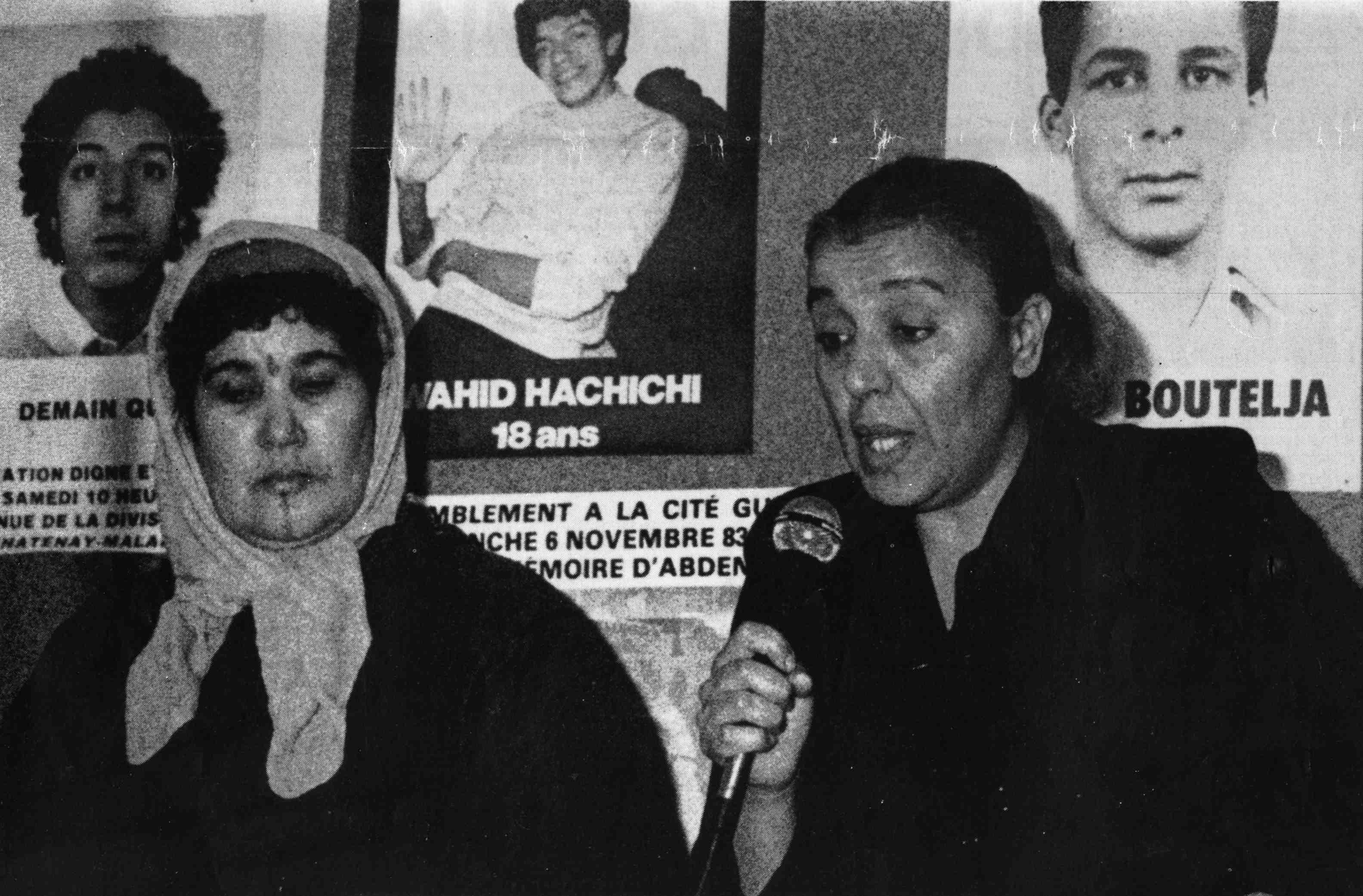 Mmes Hachichi et Guemiah, mères de Wahid et Abdennbi à Nanterre, novembre 1983
